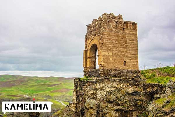 قلعه ضحاک از جاذبه های گردشگری مراغه